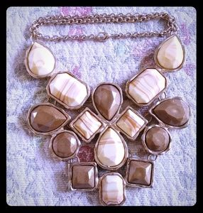 Jewelry - 🍀 5/$20 Brown and Bronze Statement Necklace